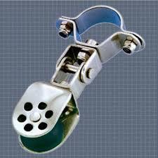 Afficher plus d'informations du produit Poulie articulée pour chandelier réa 25 Wichard