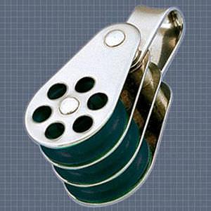 Afficher plus d'informations du produit Poulie triple anneau réa 24 Wichard
